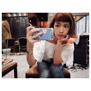【紗栄子の髪型】 オン眉パッツン前髪外ハネミディアムボブのヘアスタイルが可愛くて真似したい レングスごとに似合うオン眉ヘアスタイル