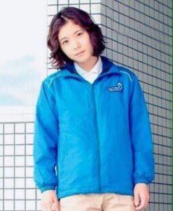 【松岡茉優 髪型】 『水族館ガール』でイルカ飼育員にすっぴんボサ髪で必死に挑戦する茉優ちゃんの元気印スマイルが可愛い